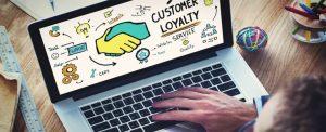 کیفیت خدمات و وفاداری مشتریان